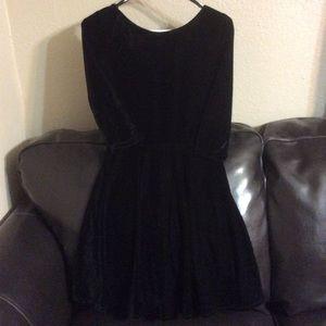 Jr  Black Velvet 3 Quarter Length Sleeve Dress XS